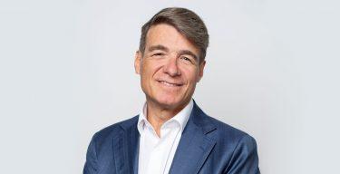 Photo portrait Pierre Zeender directeur administratif HESAV